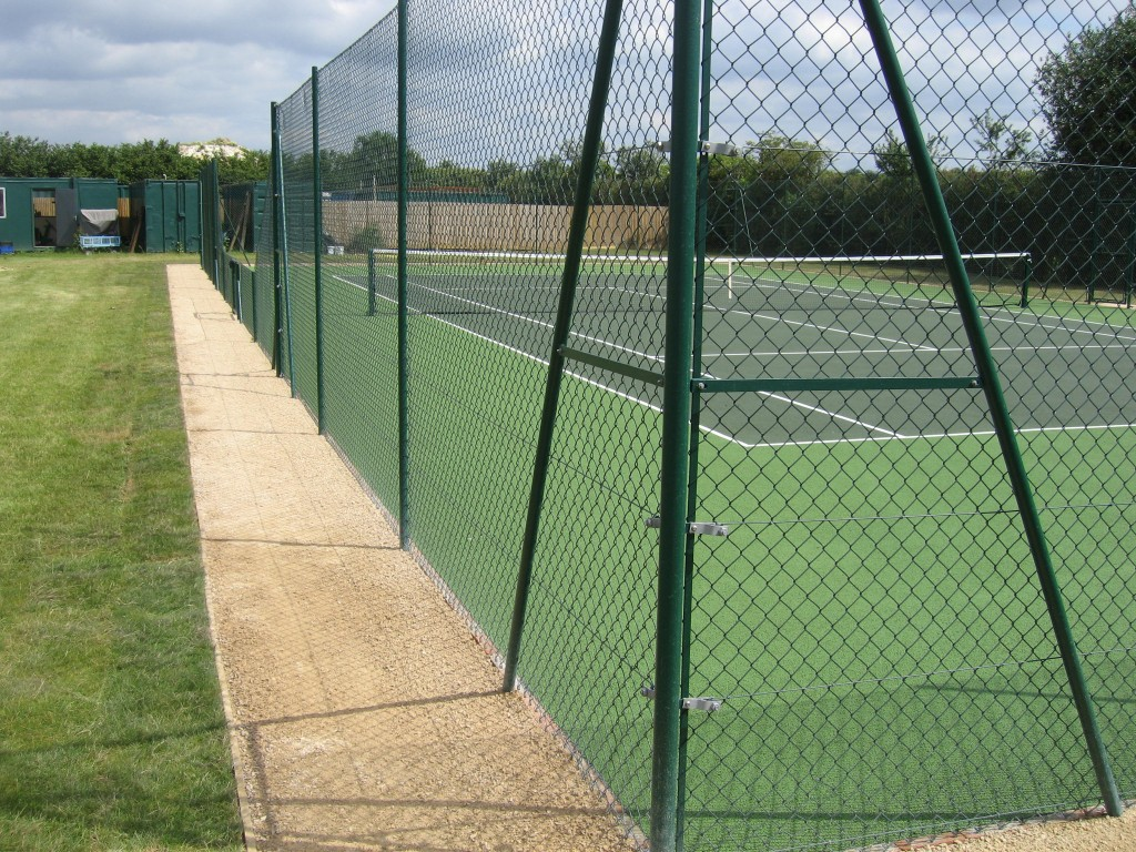 Fencing for your Sports CourtSports Courts UK Ltd